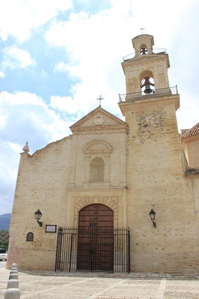 iglesia-de-santa-maria-de-jesus2_400x600